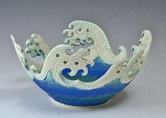 Wave Rim Bowl I love this! how fun to incorporate Hokusai - woodblocking - into ceramics:I love this! how fun to incorporate Hokusai - woodblocking - into ceramics: Slab Pottery, Pottery Bowls, Ceramic Pottery, Pottery Art, Ceramics Projects, Clay Projects, Clay Crafts, Ceramic Clay, Ceramic Bowls