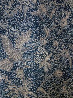 Batik lasem Textile Prints, Textiles, Batik Kebaya, Art Chinois, Batik Art, Art Of Beauty, Art Japonais, Love At First Sight, Cotton Silk