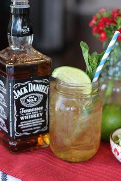 Tennessee Mule (JDTW) 1 oz Jack Daniel's Old No. 7 3 oz ginger beer ¼ tsps fresh lime juice 1 stem mint sprig Stir and serve over ice. Garnish with a mint sprig.