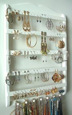 diy earring holder | DIY / Earring Holder Jewelry Holder. its actually rlly nice i want to make one...i wish!