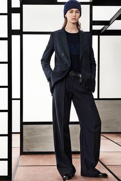 Max Mara Pre-Fall 2018 Collection Photos - Vogue