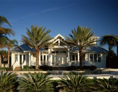 Beach Cottage - tropical - exterior - tampa - Cooper Johnson Smith Architects and Town Planners