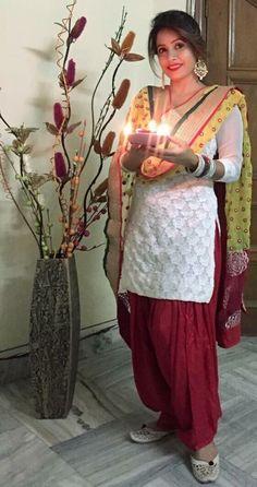 Punjabi Girls, Punjabi Dress, Pakistani Dresses, Beautiful Girl Photo, Beautiful Girl Indian, Patiala Salwar Suits, Shalwar Kameez, Kurti, Yellow Punjabi Suit