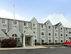 Microtel Inn by Wyndham Knoxville in Knoxville, Tennessee is my choice to stay on my #microcation.
