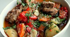 Khashlama is the respectable dish of Armenian cuisine. It consists of meat and vegetables. It is a must-try dish from the Armenian cuisine. Find out about the Armenian meat dish and its recipe here! Beef Recipes, Cooking Recipes, Hungarian Recipes, Food Science, I Love Food, Pot Roast, Dinner Recipes, Food And Drink, Ale