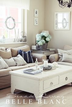 Pretty little living room, adoring this coffee table