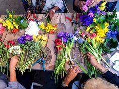 Six Tricks Florists Use to Keep Flowers Alive Longer Growing Flowers, Cut Flowers, Fresh Flowers, Flower Vases, Flower Arrangements, Plant Order, Garden Landscaping, Gardening Tips