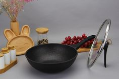 Haufson Die cast Wok with Standable Lid