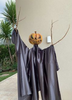 Laundry, Halloween, Home Decor, Stage Design, Laundry Room, Decoration Home, Room Decor, Home Interior Design, Laundry Rooms