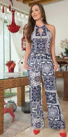 African Fashion Is Hot Jumpsuit Damen Elegant, Chic Outfits, Fashion Outfits, Womens Fashion, Overall, Stylish Dresses, Jumpsuits For Women, African Fashion, Casual Chic