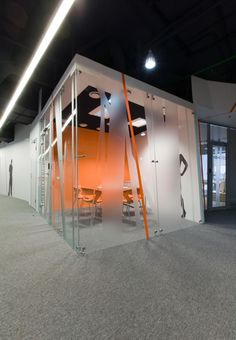 MEETING / GLASS/ COLOR Yandex Moscow Office / za bor architects