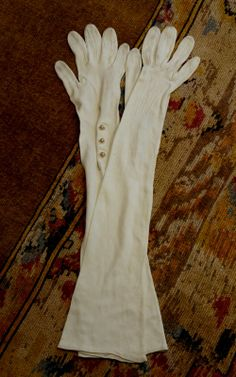 ladies evening gloves | ... ladies evening gloves a lovely pair of ladies evening gloves in ivory