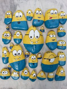 Maxions, Midions, Minions and Microons Crafts Maxioni, midioni,minioni si microoni Rock Painting Patterns, Rock Painting Ideas Easy, Rock Painting Designs, Pebble Painting, Pebble Art, Stone Painting, Stone Crafts, Rock Crafts, Arts And Crafts