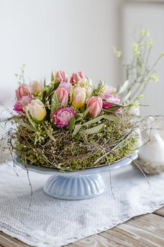 Natural decorating ideas for spring and Easter, pom . Natural decorating ideas for spring and Easter, pomponetti # Spring gesteck Deco Nature, Nature Decor, Easter Gift, Easter Crafts, Easter Ideas, Easter Party, Easter Decor, Plantation, Crafts To Do