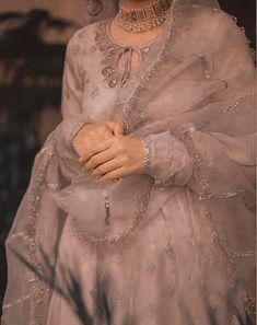 Asian Bridal Dresses, Simple Pakistani Dresses, Indian Bridal Outfits, Indian Fashion Dresses, Wedding Dresses For Girls, Pakistani Dress Design, Pakistani Fashion Party Wear, Pakistani Bridal Dresses, Pakistani Outfits