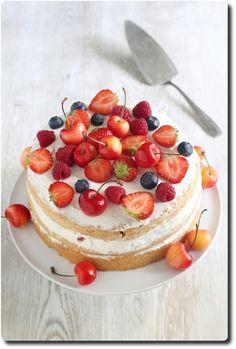 Naked cake aux fruits rouges (gâteau à étages) - Savoirs et saveurs