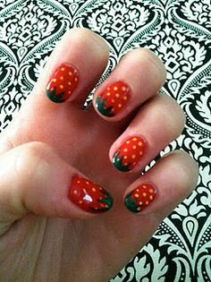 strawberry nails, perfect for the summer