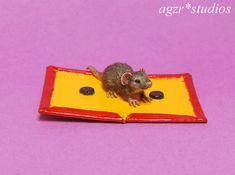 OOAK 1:12 Dollhouse Miniature Mouse Rat & Trap Pet Furred Handmade Realistic Rat Traps, American Robin, Robin Bird, Chimpanzee, Ponds, Rats, Dollhouse Miniatures, Dog Cat, Studios