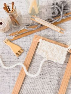 DIY 2 different sizes of looms for weaving Home Decor Accessories, Decorative Accessories, Crafts For Teens, Diy And Crafts, Finishing Nails, Loom Weaving, Weaving Art, Spring Crafts, Cheap Home Decor