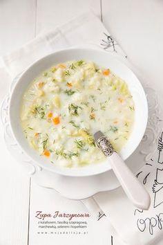 Zupa jarzynowa letnia z kalafiorem, fasolką szparagową, młodą białą kapustą, marchewką, selerem i koperkiem. Lekka, warzywna, idealna na lato. Świetna dla wegetarian, lubiana przez dzieci. Łatwa do przygotowania.