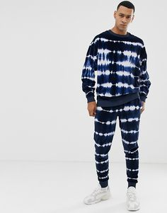 Find the best selection of ASOS DESIGN tracksuit oversized sweatshirt/skinny sweatpants in velour tie dye. Shop today with free delivery and returns (Ts&Cs apply) with ASOS! Tie Dye Shirts, Dye T Shirt, Shibori, Tie Dye Fashion, Mens Fashion, Batik Mode, Skinny Joggers, Tie Dye Outfits, Tracksuit Set