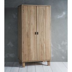 Named after a unique British forest, it's easy to see why when the Hudson Living Kielder Oak Wardrobe utilises stunning solid oak with white hues. Offering natural wood tones, this product would suit a range of interior styles. Painted Wardrobe, Wooden Wardrobe, 2 Door Wardrobe, Bedroom Wardrobe, Single Wardrobe, Mirrored Wardrobe, Pallet Wardrobe, Triple Wardrobe, Wardrobe Ideas