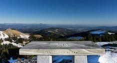 Altes Almhaus - Das Zentrum der Stubalm: Nicht nur als Startpunkt für einen Spaziergang zu den beiden Ausflugs- und Skigebieten Salzstiegelhaus bzw. Gaberl ist das Alte Almhaus einen Besuch wert. Das Namensgebende Wirtshaus überzeugt mit leckerer Hausmannskost und zahlreichen Sitzmöglichkeiten im Freien. Nur wenige Gehminuten entfernt kann man fantastische Aussichten auf Teile der Steiermark erblicken. Sobald die Wetterlage es zulässt kann man auf dem tollen Bogensport-Parcours auch Pfeile… Robin Hoods, Christian, Mountains, Instagram, Nature, Travel, Outdoor Seating Areas, Centre, Alps