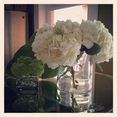 Meredith Heron Design  #AntiStagingStaging  floral arrangements