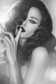 Imgs For > Film Noir Femme Fatale Makeup | Femme Fatale ...