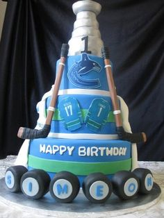 Vancouver Canucks Women's Two-Button Cable Knit Boots - Gray Hockey Birthday Cake, Hockey Party, Birthday Cakes For Men, Cakes For Boys, Vancouver Canucks, Hockey Cakes, Lion Cakes, Dessert Decoration, Cakes And More