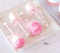 Adorable marshmallow pop rattles at a Gender Reveal Baby Shower #babyshower #genderreveal
