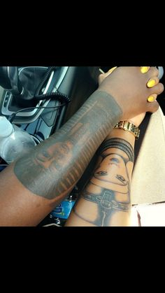 Y'all gotta stop reposting this. King Tut and Nefertiti are son and step mother