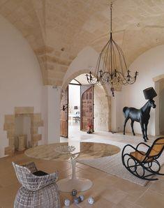 Dal Salento in Puglia i Trulli in stile Shabby Interior Architecture, Interior And Exterior, Italy House, Italian Home, Bohemian House, House Inside, Interior Decorating, Interior Design, Mediterranean Homes
