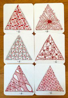 Using a triangular type string. Christmas Tree Art, Christmas Doodles, Christmas Drawing, Diy Christmas Cards, Christmas 2017, Tangle Doodle, Tangle Art, Zentangle Drawings, Doodles Zentangles