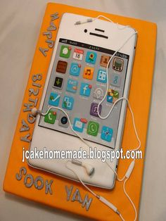iPhone cake by Jcakehomemade, via Flickr