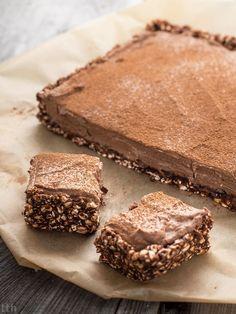 Czekoladowe ciasto bez pieczenia - przepis weganskie, bezglutenowe, bez cukru