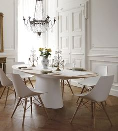 French dining room, blending the classical apartment with contemporary furniture.
