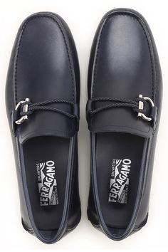 Offers Salvatore Ferragamo Shoes and Sneakers from the Current Collection. Ferragamo Men's Shoes are Made in Italy. Ferragamo Shoes Mens, Salvatore Ferragamo Shoes, Look Fashion, Fashion Shoes, Mens Fashion, Gentleman Shoes, Italian Shoes, Driving Shoes, Men S Shoes