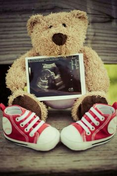 Trendy Baby Announcement With Kids Pictures Ideas Maternity Photography Poses, Maternity Poses, Maternity Pictures, Baby Pictures, Pregnancy Photography, Maternity Styles, Maternity Photo Props, Maternity Outfits, Couple Pictures