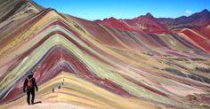 Las montañas del arco iris psicodélicos de Perú son impresionantes