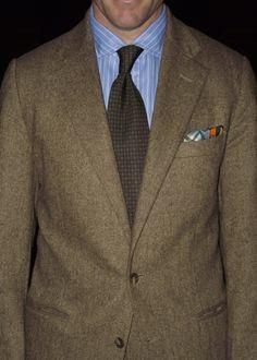 Scruffy Tweed + Tie
