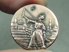TINTED COPPER PICTURE BUTTON ~ YOUNG LADY PLAYING DIABOLO   METAL