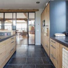 Belgisch hardsteen Castelana | Belgian bluestone | Kersbergen.nl Divider, Flooring, Room, Furniture, Home Decor, Bedroom, Decoration Home, Room Decor, Wood Flooring