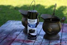 I have a spray paint party when I gather several thrifty finds that need sprucing up. Spray paint is the quickest way to refresh home decor accessories. Rustoleum Spray Paint, Black Spray Paint, Do You Know What, Paint Party, Spray Painting, Home Decor Accessories, Diy Projects, Crafts, Manualidades