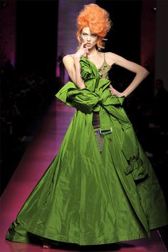 Jean Paul Gaultier  Alta Moda Primavera-Estate 2012 / Parigi  #green #gown #trench