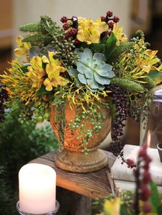 New Ideas For Succulent Arrangements Rustic Succulent Centerpieces, Succulent Wreath, Succulent Arrangements, Succulent Terrarium, Succulent Plants, Cacti, Purple Succulents, Succulents Diy, Succulents Drawing