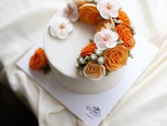 G.G.CAKRAFT basic course 1st buttercream flowercake. Done by student.