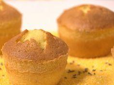 Bolinho de fubá (Cozinha Caseira - BEM SIMPLES)  Por: Carole Crema   Rendimento: 12 porções
