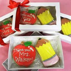 "Totally sweet teacher gifts! Two cookies are perfect in this 7"" @brpboxshop box!"