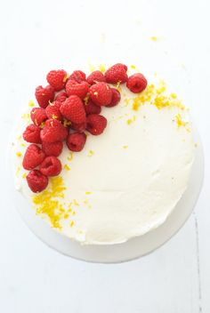 Raspberry Cake with Lemon Curd Filling and White Chocolate Icing | Oh So Delicioso